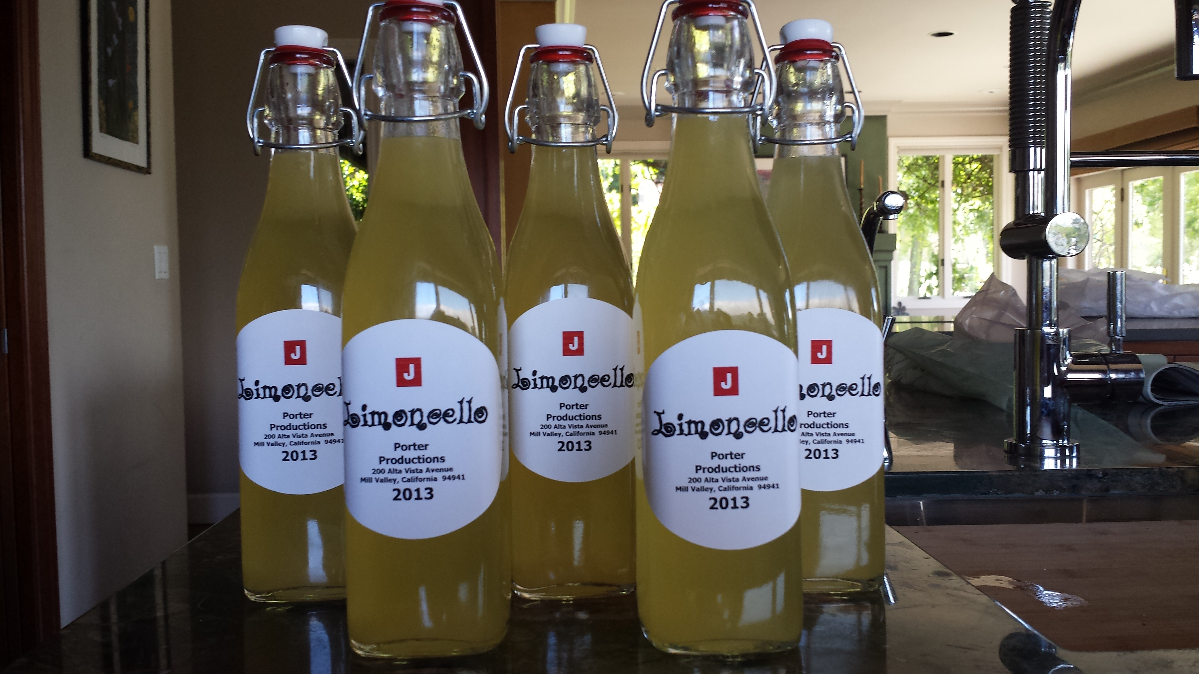 Well known DIY Limoncello Recipe that will Knock Your Socks Off RO69