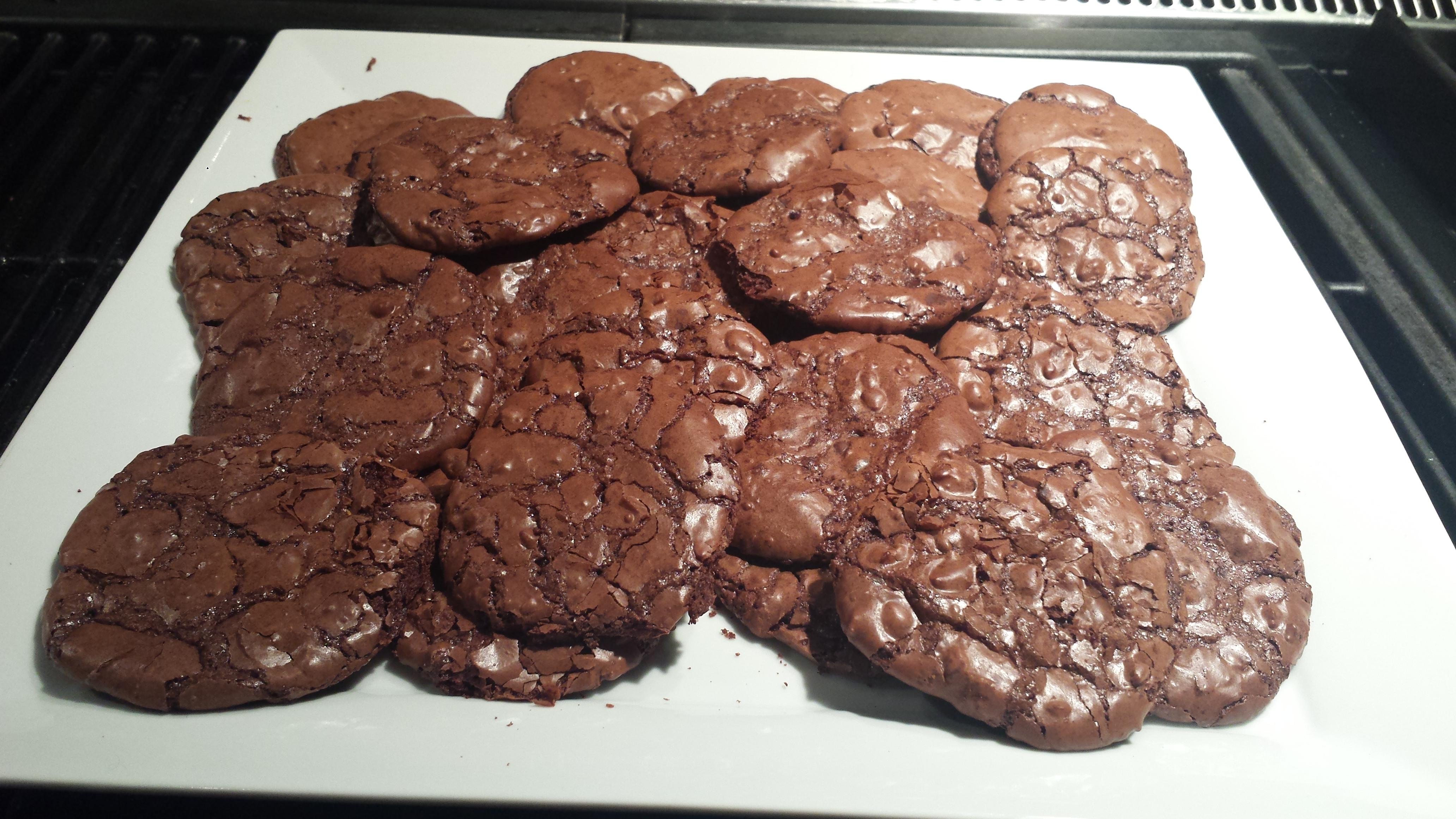 Wheatless Wednesday – Flourless Chocolate Brownie Cookies ...