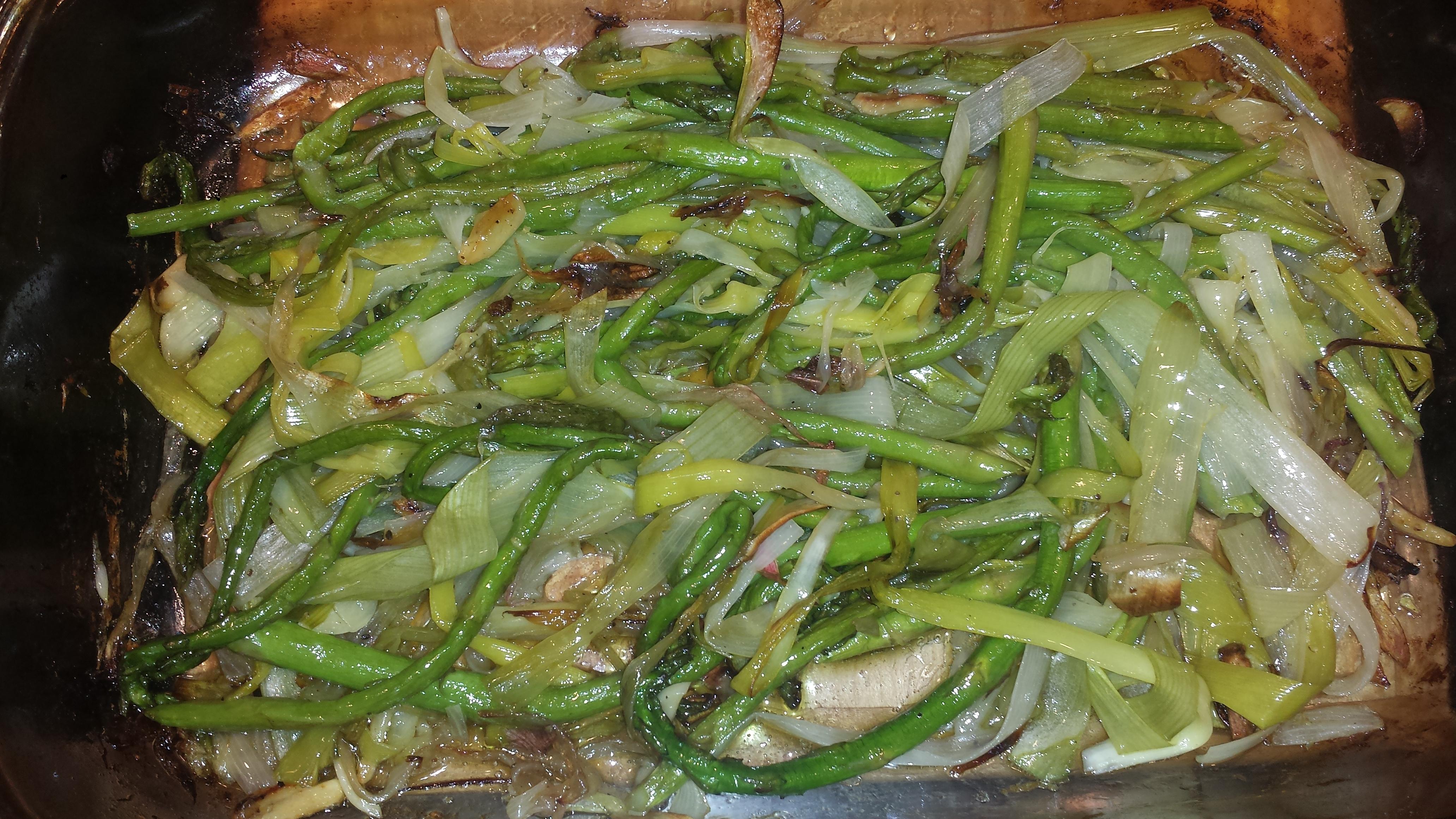 Meatless Monday = Roasted Asparagus and Leeks   goodmotherdiet
