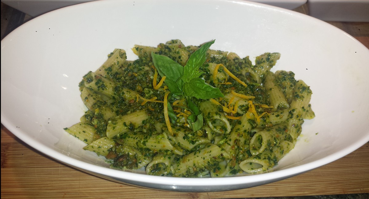 Meatless Monday - Kale Pesto Pasta